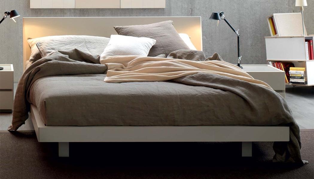 letto moderno in legno